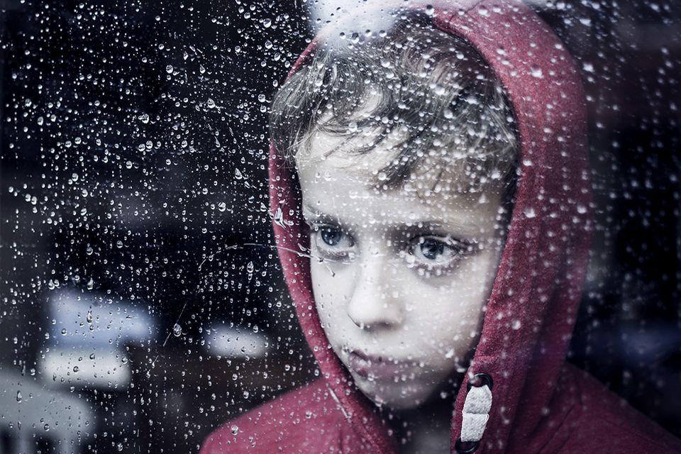 NCL: Was mit einer Sehstörung beginnt, kann in unheilbarer Kinderdemenz enden. Doch neue Forschungsergebnisse machen Betroffenen Hoffnung