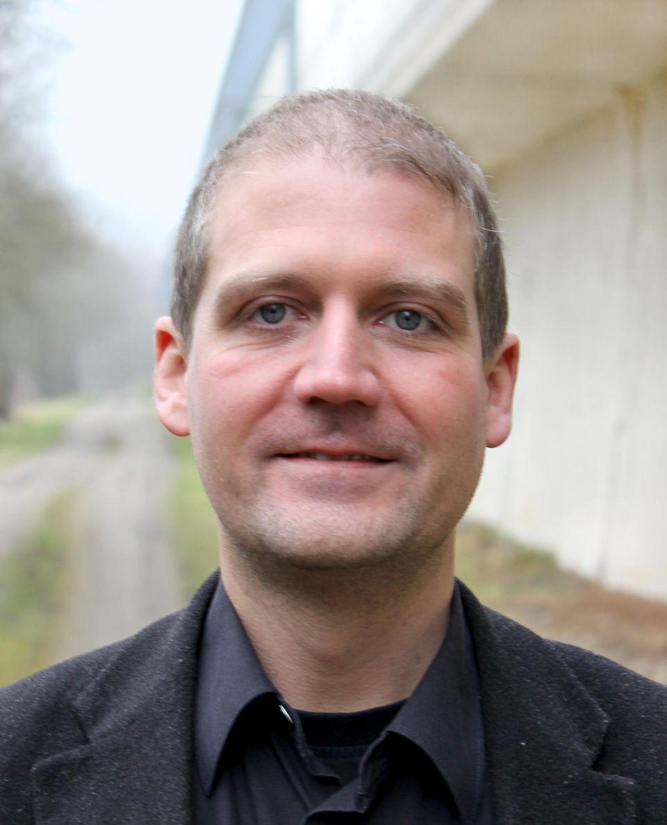 Interview: Der Ingenieur Stefan Schimmele ist Leiter des Projekts Strategien und Werkzeuge für umweltfreundliche Sandaufspülungen als 'low-regret' Maßnahmen unter Auswirkung des Klimawandels (STENCIL), das erforscht, was es für das Ökosystem unter Wasser bedeutet, wenn große Mengen Sand abgepumpt werden