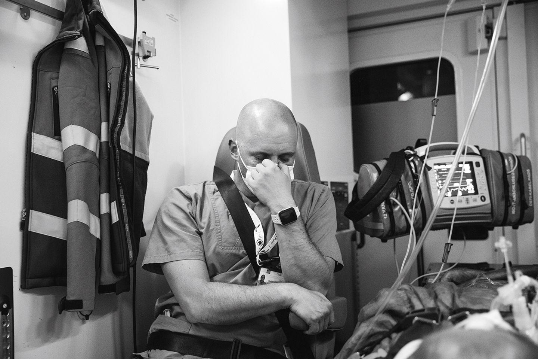 Um Leben und Tod: Aus dem Inneren einer Corona-Klinik