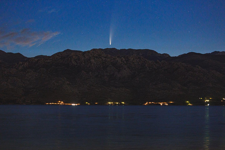 Seltenes Schauspiel: So zeigte sich am 11. Juli der Komet Neowise über dem Velebit (Kroatien)