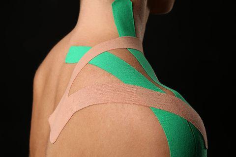 Schulterprobleme: Viele Menschen plagen Schmerzen und Verspannungen im Schulterbereich - welche Therapiemaßnahmen sinnvoll sind und wie sich die Probleme vermeiden lassen, erklärt Prof. Dr. Andreas Niemeier