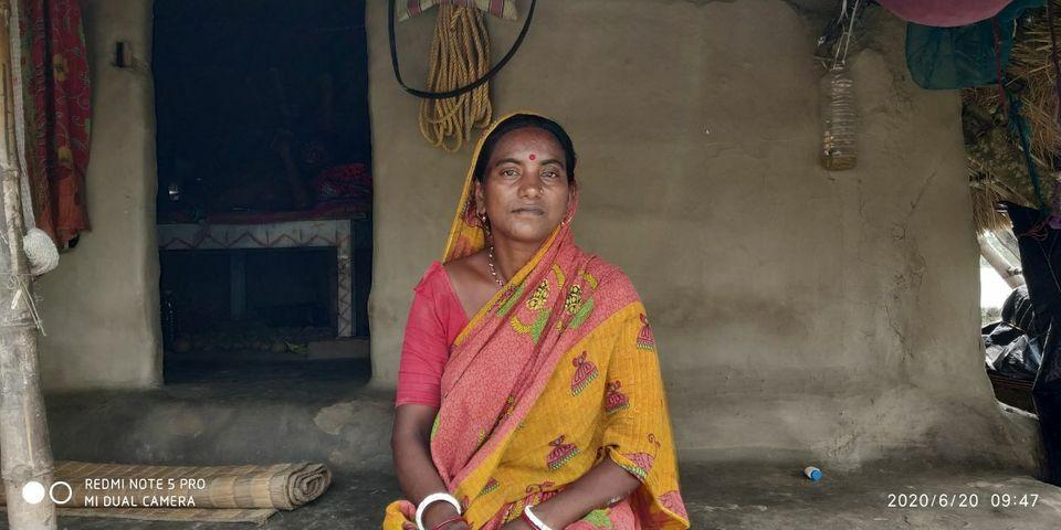 Indien - Westbengalen: Jharna Monodal lebt mit ihrem Ehemann und den beiden Söhnen auf der Insel Choto Mollakhali. Der Zyklon hat sie schwer getroffen