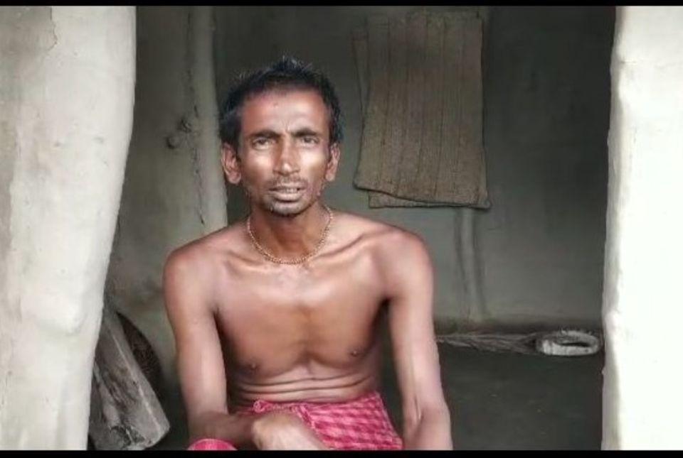 Indien - Westbengalen: Mahadev Gayen ist Bauer auf der Insel Choto Mollakhali. Sein Reisfeld und Süßwasserteich wurden vom Meerwasser überflutet