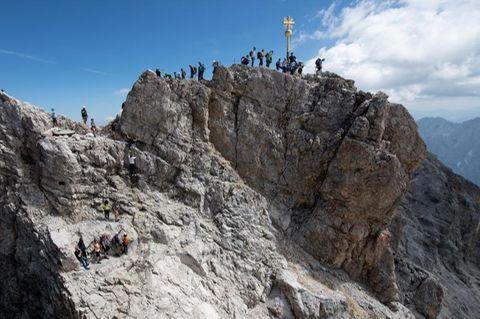 200 Jahre Erstbesteigung: Die Zugspitze hat als Deutschlands höchster Berg Symbolkraft. Vor 200 Jahren gelangte der erste Mensch auf den Gipfel