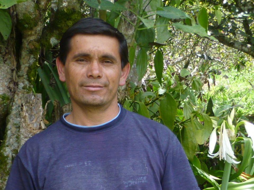 Ecuador: Ángel Flores