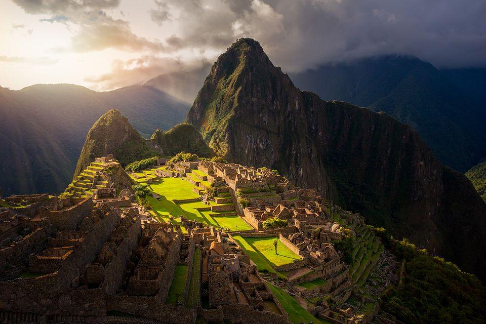Peru: Die weltberühmte Inkastätte menschenleer zu erleben, war in den vergangenen Jahren kaum möglich. Knapp 2500 Touristen besuchten das Welterbe täglich