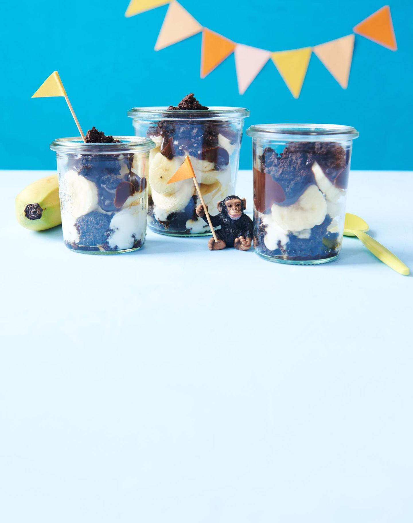Drei Bananensplits im Glas