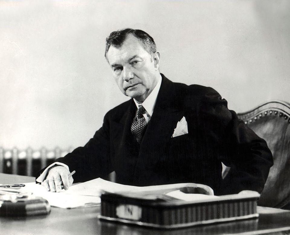 Robert H, Jackson