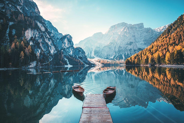 Boote am Pragser Wildsee in Südtirol