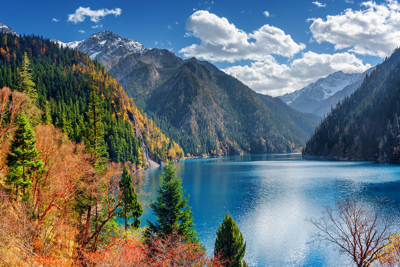 Blick auf den großen See im Jiuzhaigou Tal, China