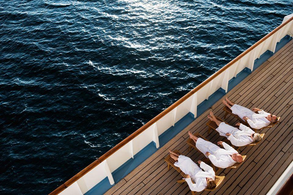 Kreuzfahrt: Der Bademantel muss bei einer Kreuzfahrt nicht eingepackt werden, den gibt es an Bord
