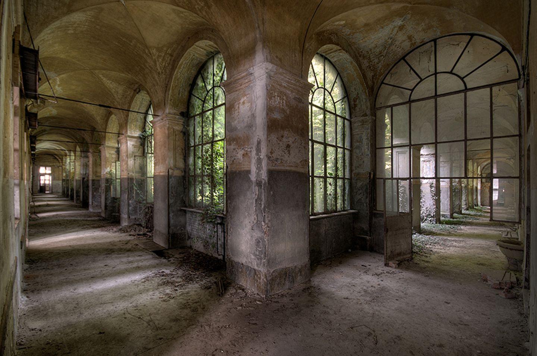 Split Corridor