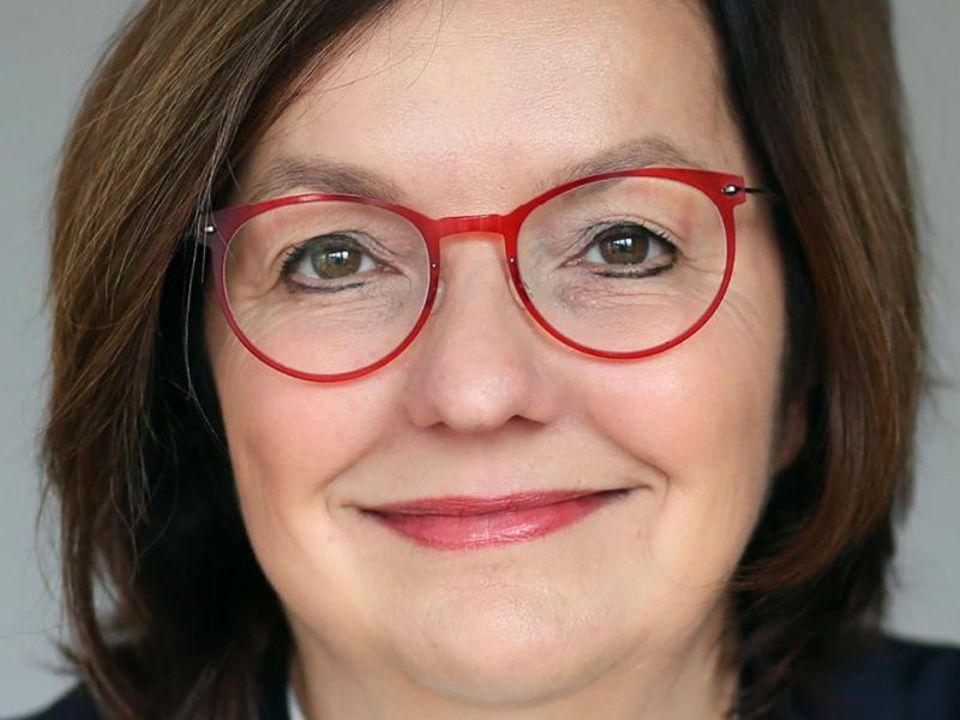 Ruth Hecker, Porträt