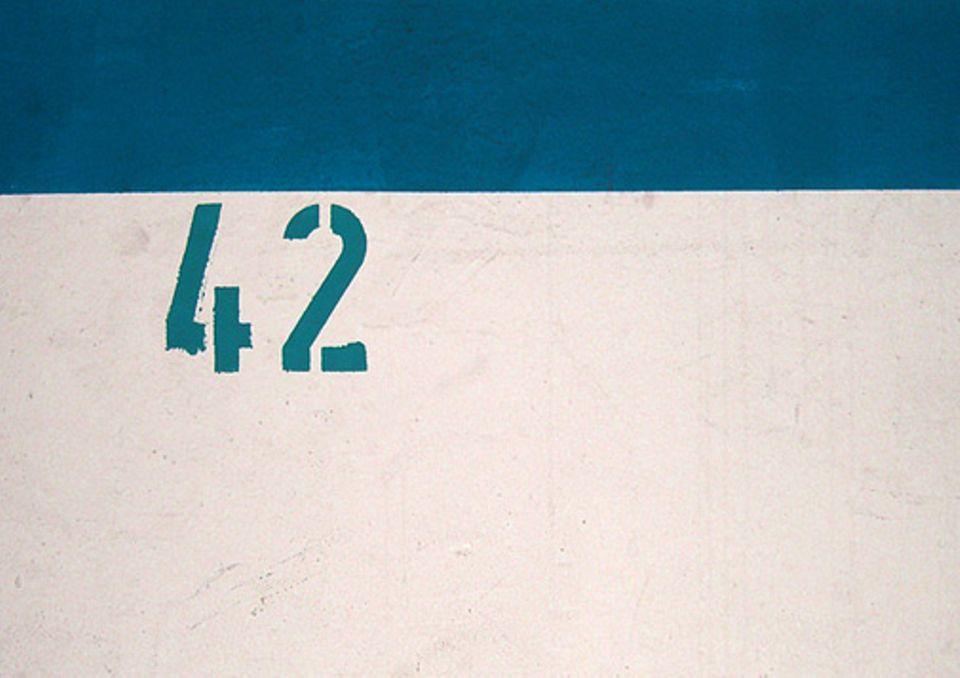 """Schreibwettbewerb: Die """"42"""" - eine ganz besondere Zahl"""