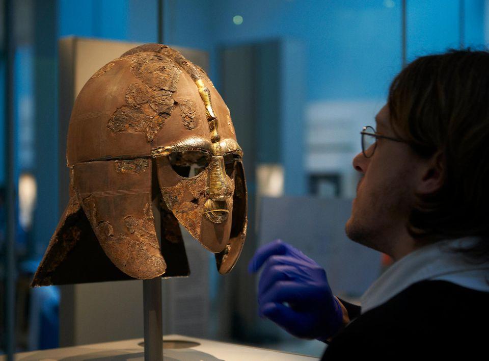 Sutton Hoo: Der Helm, der im Bootsgrab von Sutton Hoo gefunden wurde, ist heute so etwas wie das Gesicht der Ausgrabungsstätte