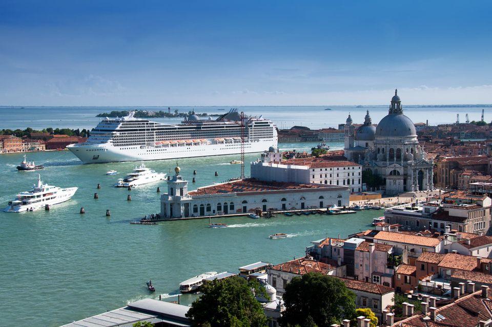 Venedig will Kreuzfahrtschiffe nicht mehr nah an seinen historischen Stätten ankern lassen