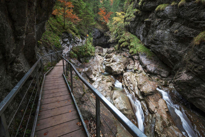 Weg durch die Starzlachklamm im Allgäu, Bayern