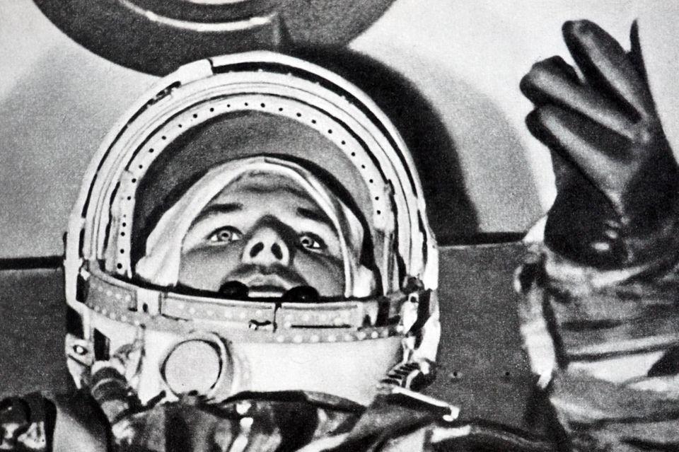 Der sowjetische Kosmonaut Juri Gagarin war der erste Mensch im Weltraum