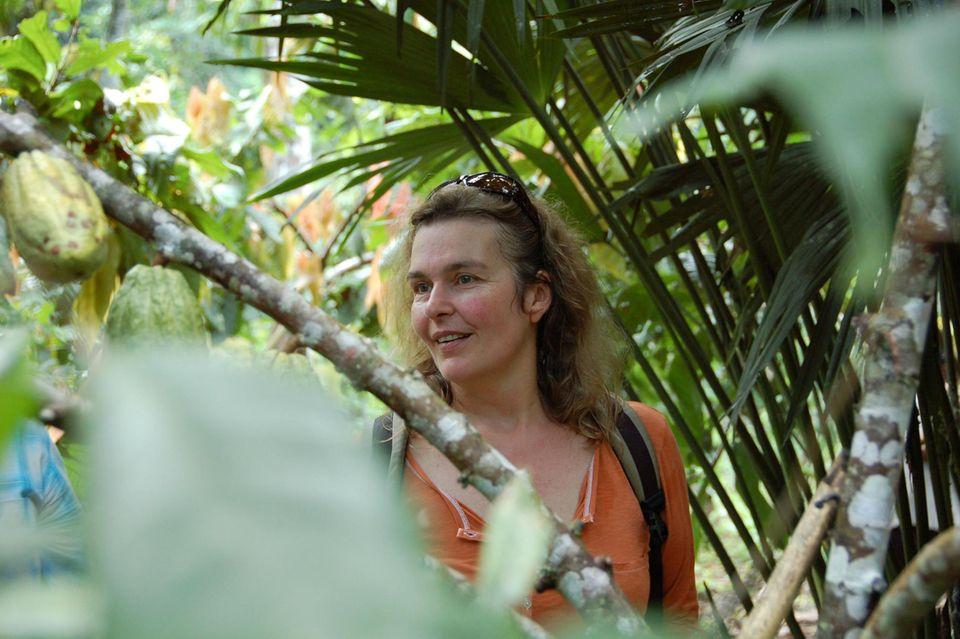 Eva Danulat besucht einen Waldgarten in Amazonien, Ecuador