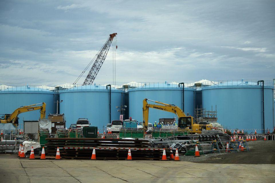 In mehr als 1000 Tanks wird auf dem Gelände des havarierten Kernkraftwerks Fukushima radioaktiv kontaminiertes Kühlwasser gelagert