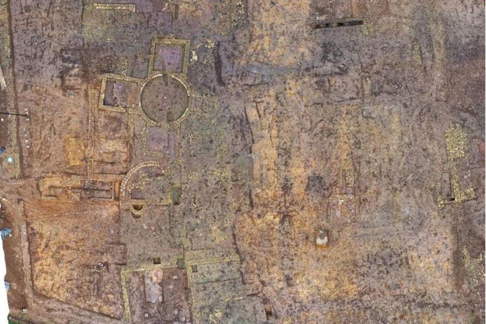 Dieses undatierte Foto zeigt seltene römische Überreste, die bei archäologischen Ausgrabungen in England entdeckt wurden