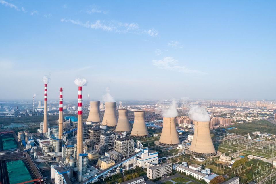 Heizkraftwerk in Dezhou, Provinz Shandong: Mehr als die Hälfte der Steigerung bei den Kohle-Emissionen fällt 2021 in China an
