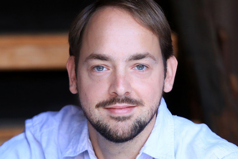 Benjamin von Brackel ist Umweltjournalist und freier Autor. Er ist Mitbegründer des Onlinemagazins Klimareporter und wurde 2016 mit dem Deutschen Umwelt-Medienpreis ausgezeichnet
