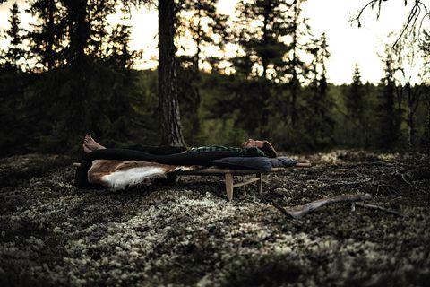 """""""Ich wusste, in meinem Kopf würde es immer einen Raum für Kleingeistigkeit geben. Aber die Einsamkeit lehrte mich, es zu akzeptieren"""""""