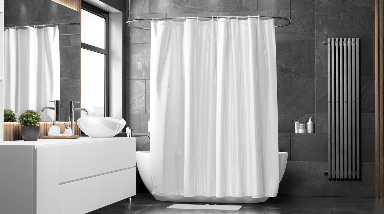 Badewanne mit Duschvorhang