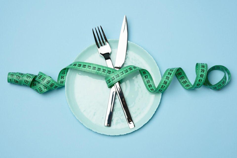 Mit den richtigen Ernährungsregeln können wir effektiv Gewicht reduzieren, ohne zu hungern