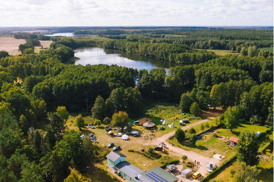 Das Ahoi WALDEN Camp kann sich nicht nur von nahem sehen lassen