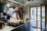 Wolfgang Mätzler beim Kochen