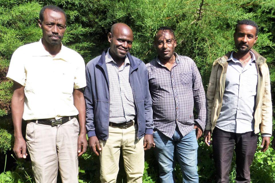 Abebe Magnecho, neuer Leiter der Farmers Union (li.), neben ihm Tamiru Haile (Leiter des PFM-Teams), und die PFM-Experten Negash und Asres