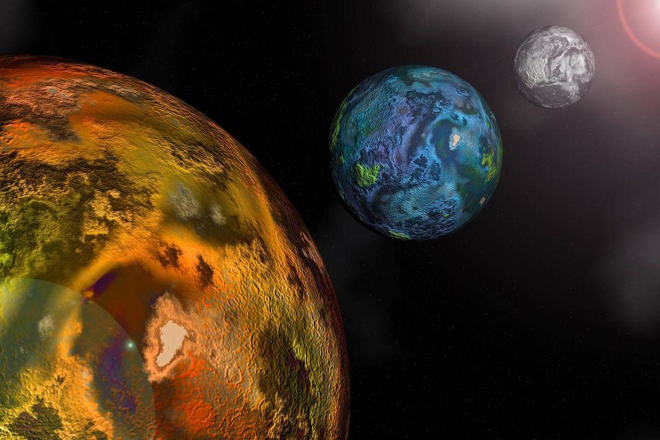 Illustration der Planeten Mars, Erde und Mond im Sonnensystem