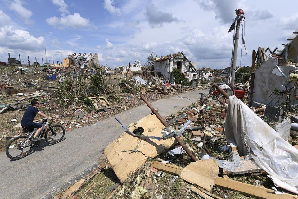 Wetterextreme: Verheerender Tornado in Tschechien: Droht uns das auch in Deutschland?