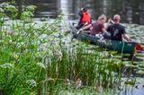 Auf einer geführten Kanutour erkunden Urlauber den Nationalpark