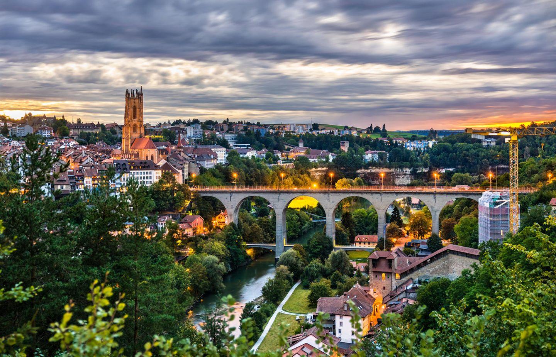 Die Skyline der von Freiburg in der Schweiz