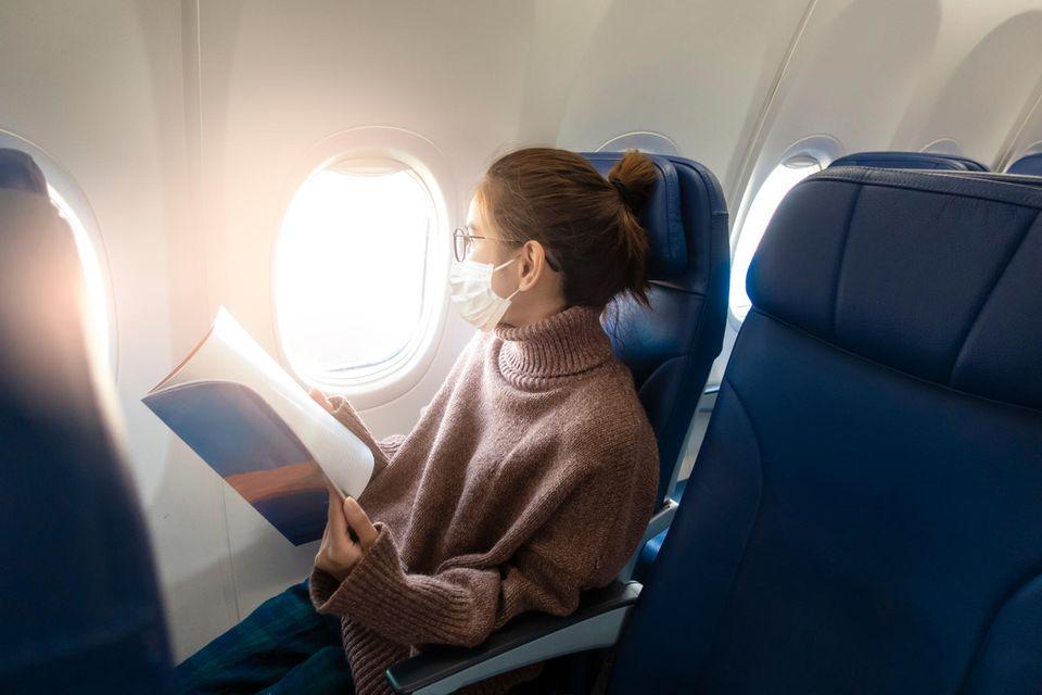 Wer mit dem Flugzeug in den Urlaub starten will, sollte am Flughafen genug Zeit einplanen - und sich auch zu Hause schon intensiv mit seiner Reise beschäftigen