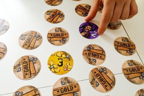 """Das Spiel """"Gold"""" wandelt Memory unterhaltsam ab – allerdings mit mehr Glücks- und Ärgerfaktor"""