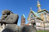 Russische Kapelle, Hochzeitsturm und eine Statur auf der Mathildenhöhe in Darmstadt