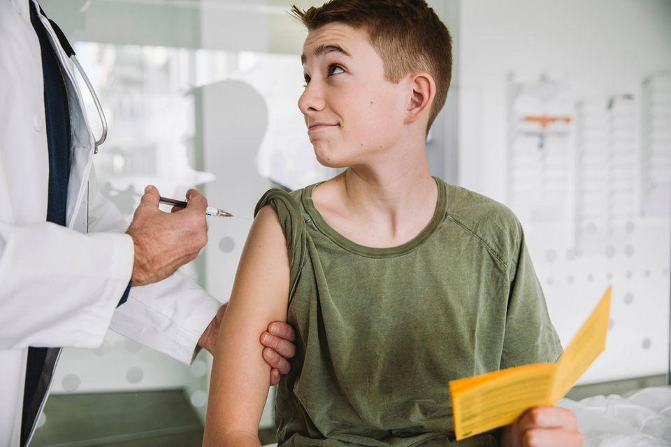 Sollen Kinder und Jugendliche geimpft werden? Die Stiko zögert noch
