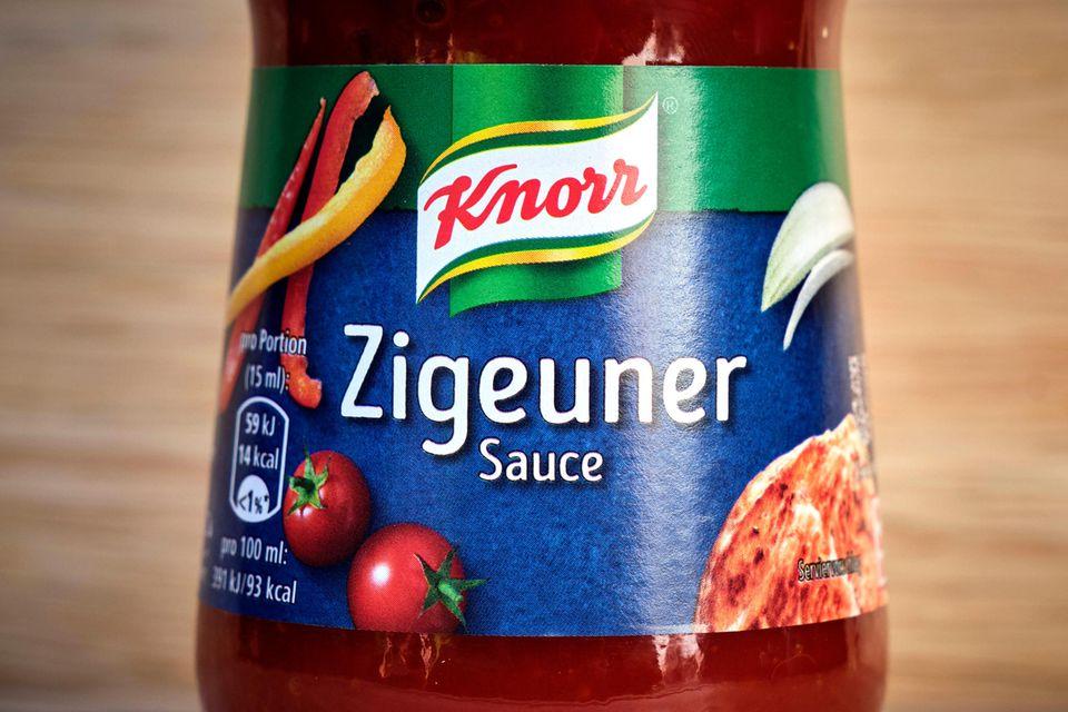 """Eine Flasche """"Zigeunersauce"""" des Herstellers Knorr"""