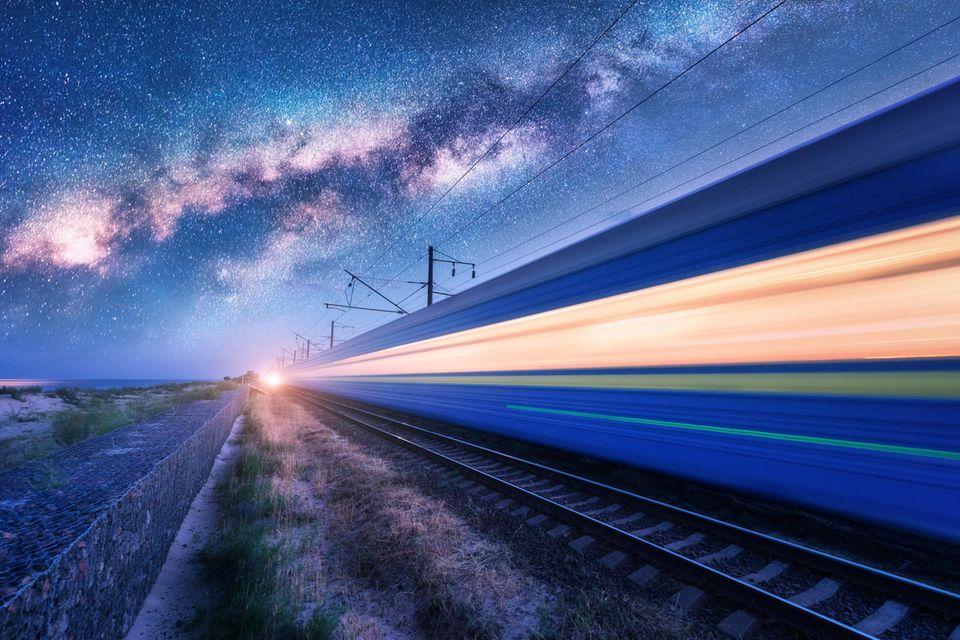 Im Schlaf nach Stockholm oder Hanoi : Klimafreundlich reisen: Ersetzt der Nachtzug das Flugzeug?