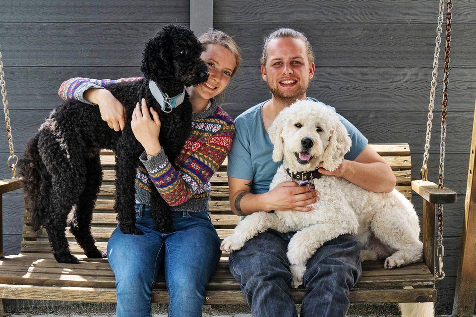 Wau, was für ein Job! Zwei Tage verbrachtenBernadette und Lennard aus dem GEOlino-Team bei Freddie, Charlie und ihrer Familie in Anrath bei Mönchengladbach