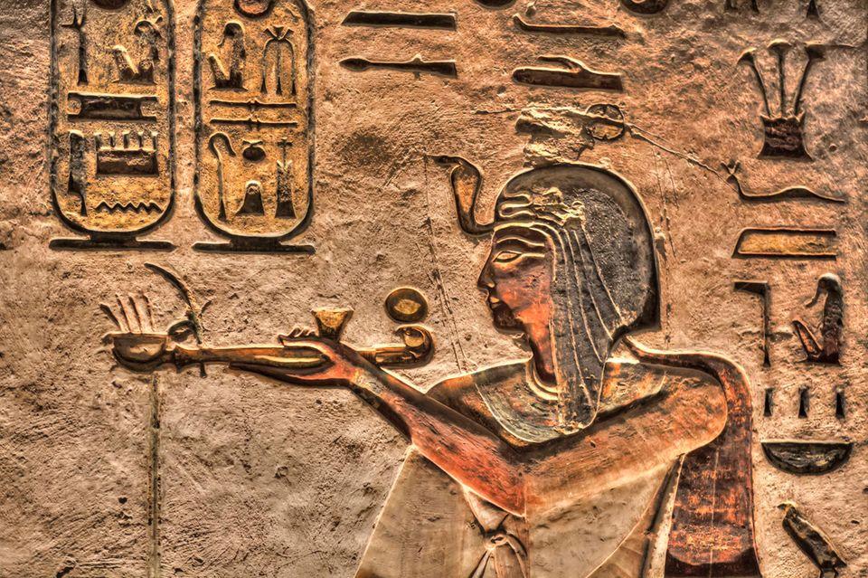 Ramses III., hier eine Grabmalerei im Tal der Könige, regierte Ägypten von 1187– 1156 v. Chr. Er gilt als letzter großer Pharao