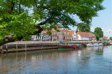 Kleiner Hafen mit Booten in Ribe, Dänemark