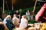 WALDEN-Macher Harald und Markus erzählten, wie das Heft entsteht, welches ihr ungewöhnlichstes Abenteuer war, ob Hüttenwirt wirklich eine Jobalternative wäre und warum sie unbedingt wieder zusammen in einem Hot Tub sitzen möchten