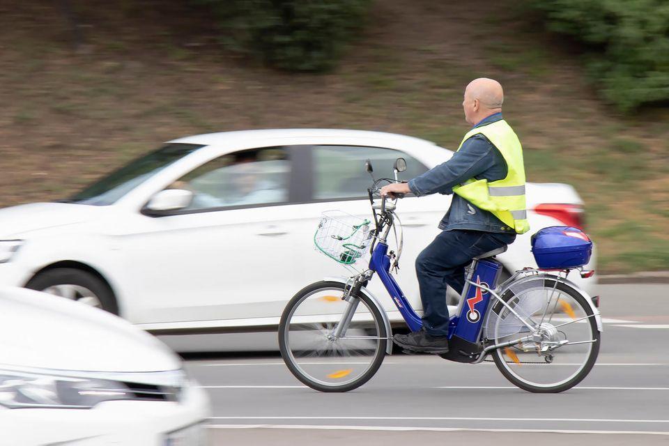 Rund die Hälfte aller 2019 tödlich verunglückten E-Bike-Nutzerinnen und -Nutzer waren älter als 75 Jahre