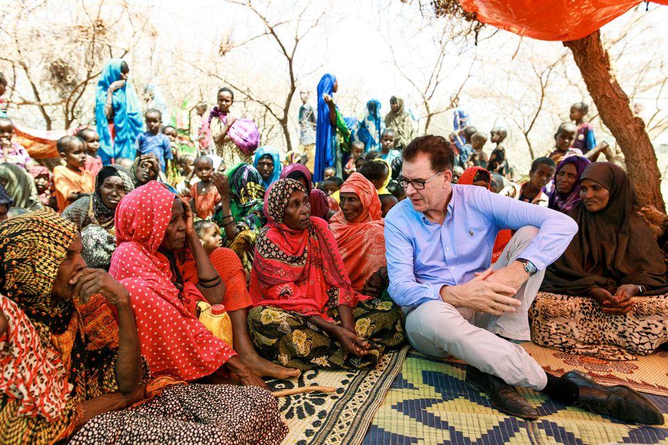 Bundesentwicklungsminister Gerd Müller in der Somali Region in Äthiopien