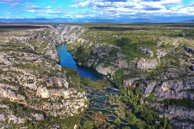 Luftbild des Krka-Nationalparks in Kroatien